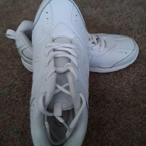 Stride Rite size 3.5W Cooper Lace sneakers